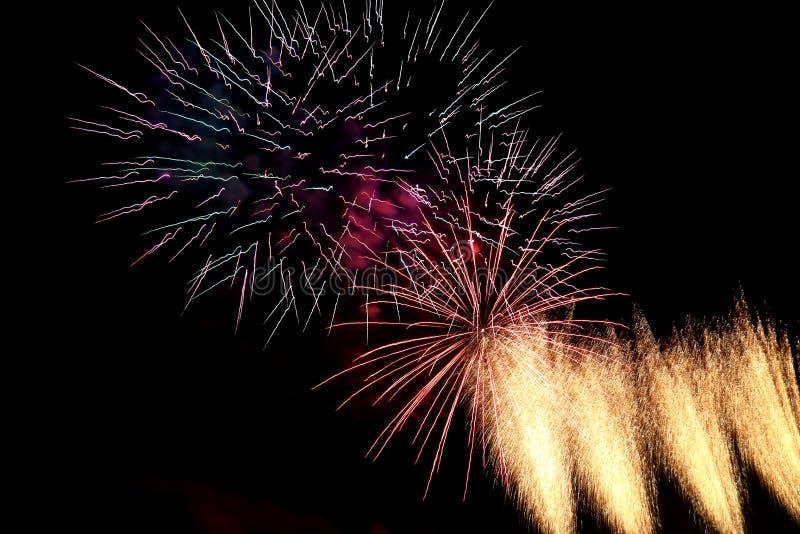 Vuurwerk 's nachts in Frankrijk stock fotografie
