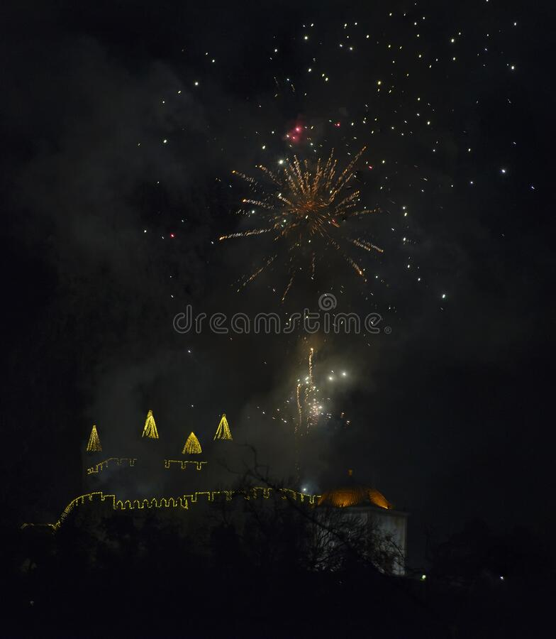 Vuurwerk van het Perlim Castle in Santa Maria da Feira, Portugal stock foto's
