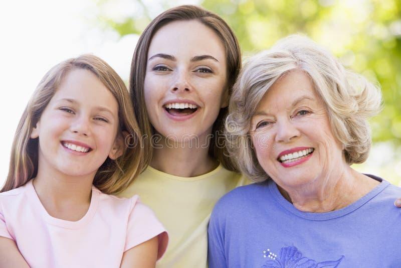 vuxen dotterbarnbarnfarmor royaltyfria bilder