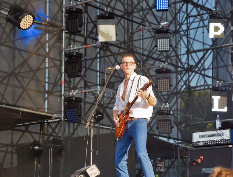 VV η ορχήστρα ροκ αποδίδει στο φεστιβάλ Σαββατοκύριακου ατλάντων Κίεβο, Ουκρανία στοκ φωτογραφία με δικαίωμα ελεύθερης χρήσης
