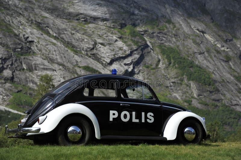 VW-Käfer, historischer norwegischer Polizeiwagen stockfotografie