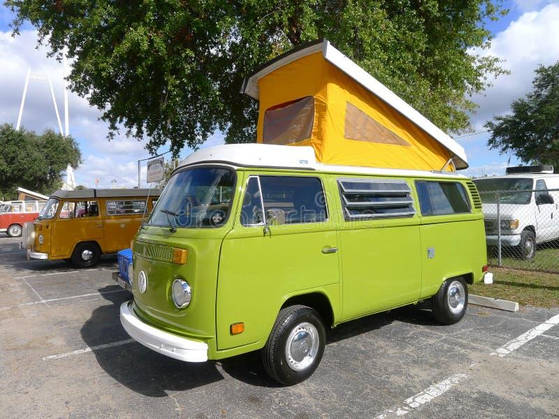 VW semestrar bussen fotografering för bildbyråer