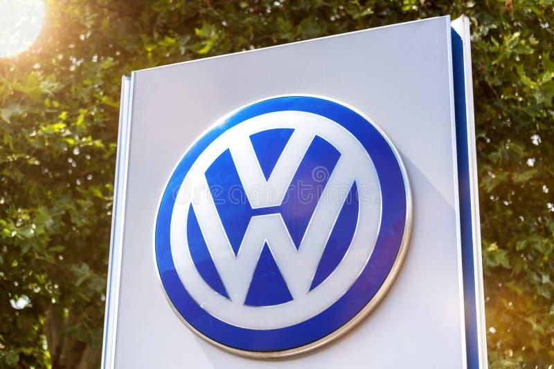 VW-teken in siegen Duitsland royalty-vrije stock foto's