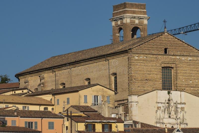 Vy över kyrkan San Francesco alle Scale, Ancona royaltyfri fotografi