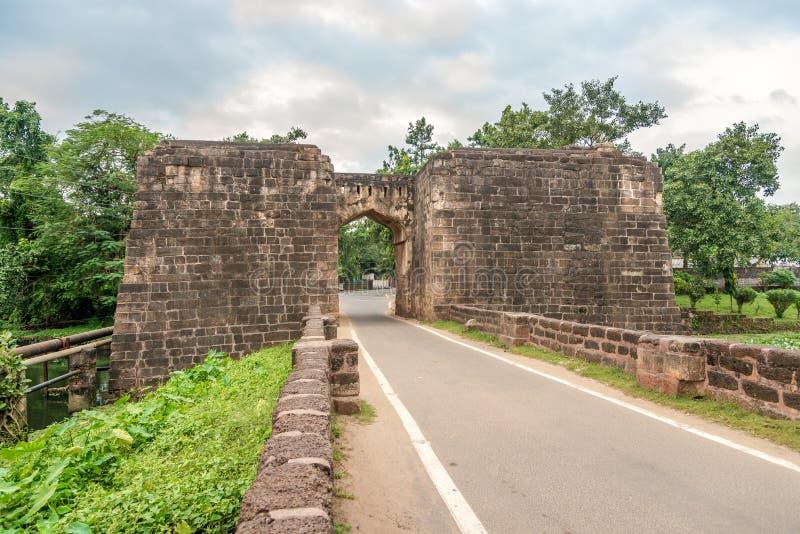Vy vid stadsfästningens port i Cuttrack - Indien royaltyfri foto