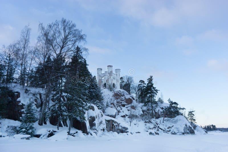 VYBORG, RUSIA 05 01 Capilla 2019 Ludwigstein en la isla de los muertos Parque-como el estado Monrepos, Vyborg fotos de archivo libres de regalías