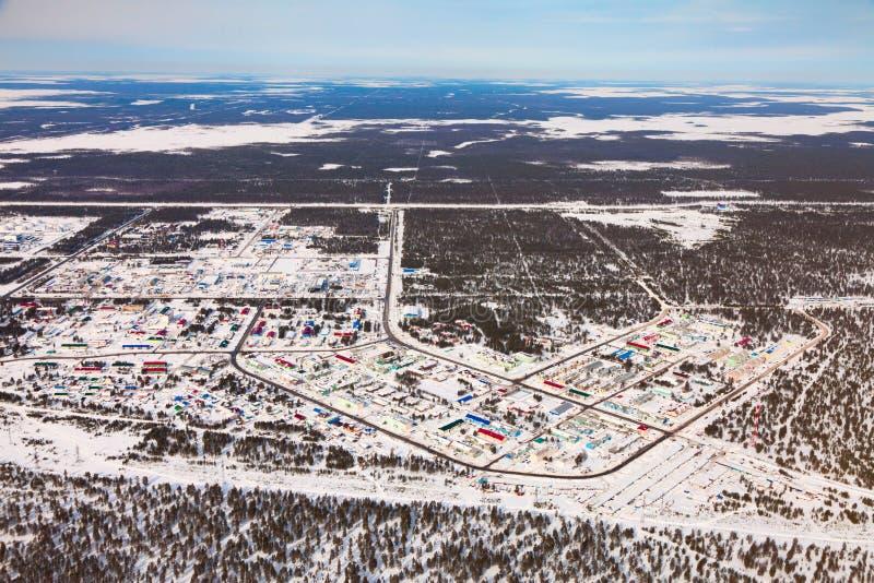Vyngapurovsky is het oilman dorp van ` s in West-Siberië, de mening van het vogel` s oog royalty-vrije stock foto's