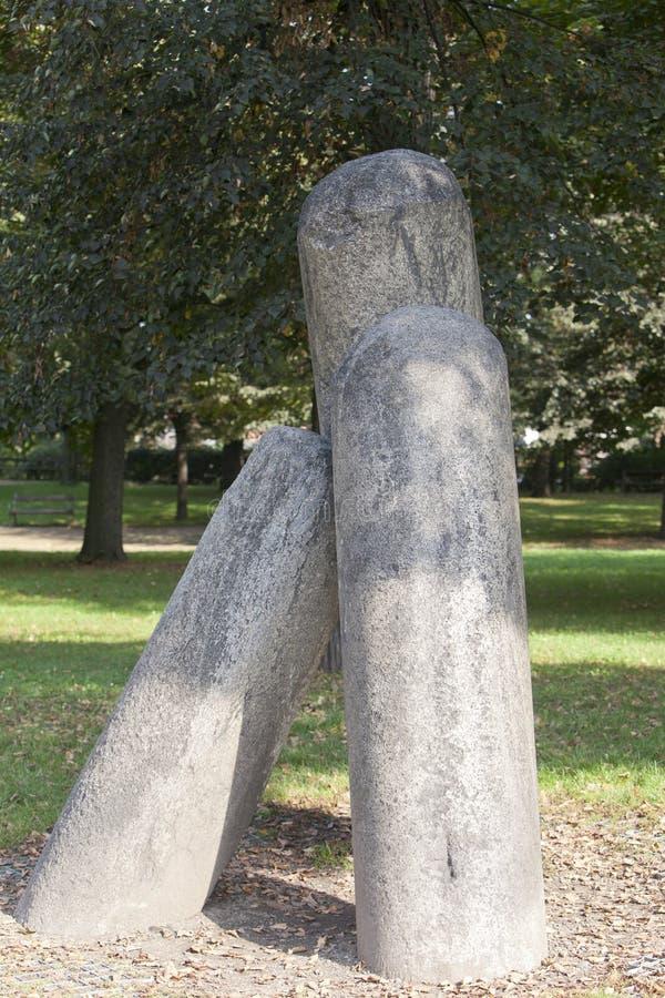 Vysehrad Une colonne de diable dans le jardin de Karlakhov prague photographie stock libre de droits