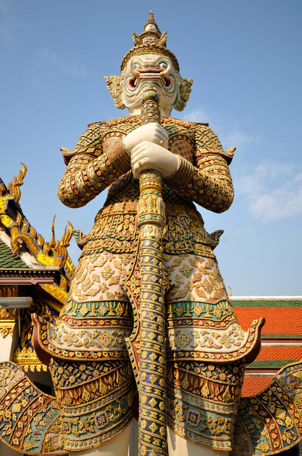 Wächterstatue bei Wat Phra Kaew stockbilder
