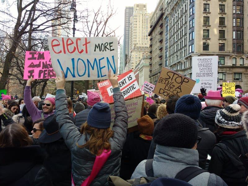 Wählen Sie Frauen, Frauen ` s März, NYC, NY, USA lizenzfreie stockbilder