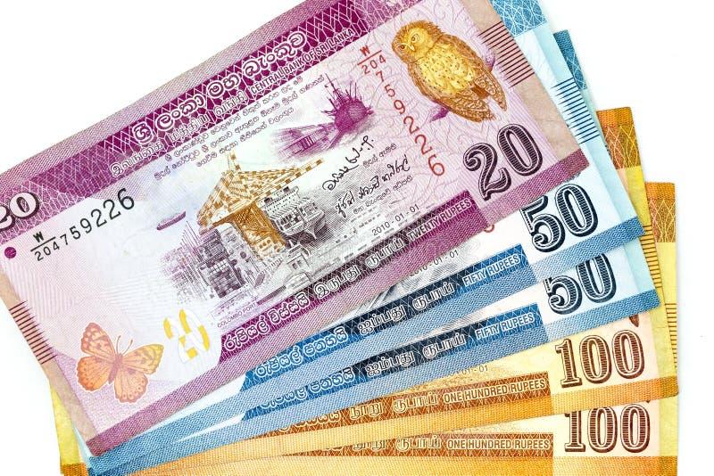 Währungsbanknoten verbreiteten über Rahmen sri lankan Rupie in der verschiedenen Bezeichnung stockfotografie