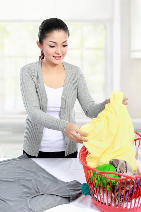 Wäscherei zu Hause lizenzfreie stockbilder