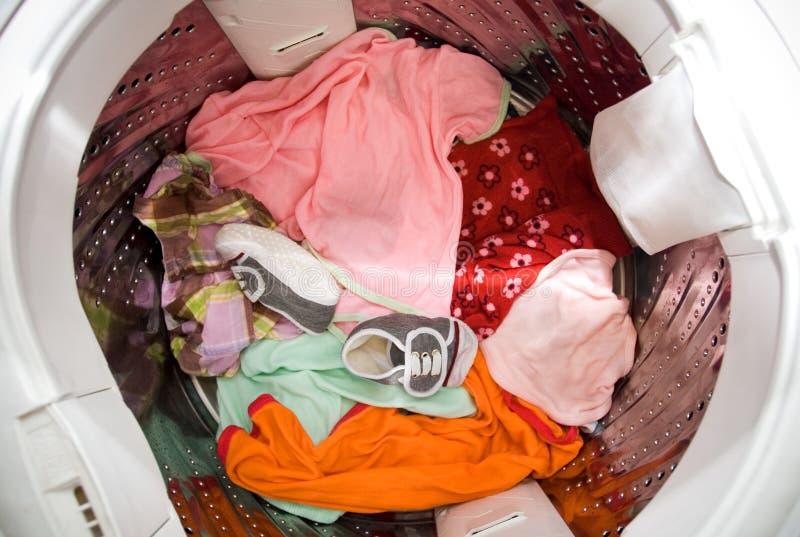 Wäschereizeit - Haushaltung lizenzfreie stockbilder