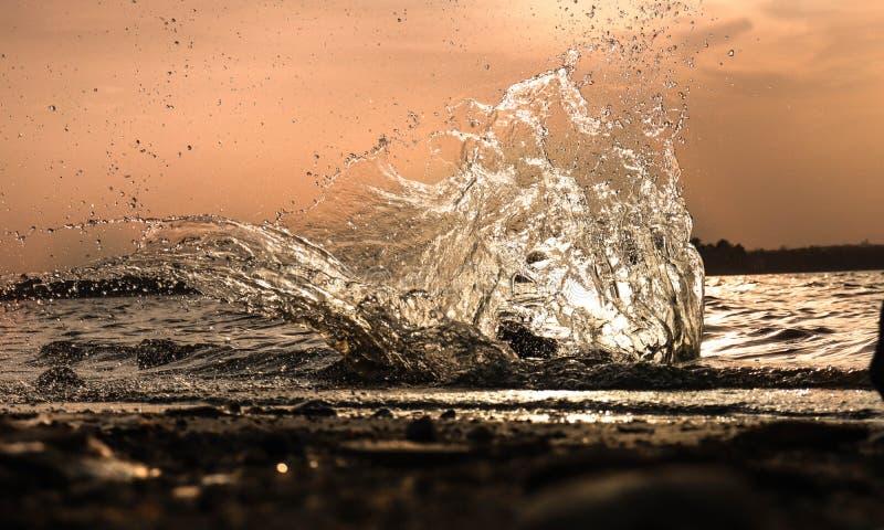 Wässern Sie Spritzen lizenzfreie stockfotografie