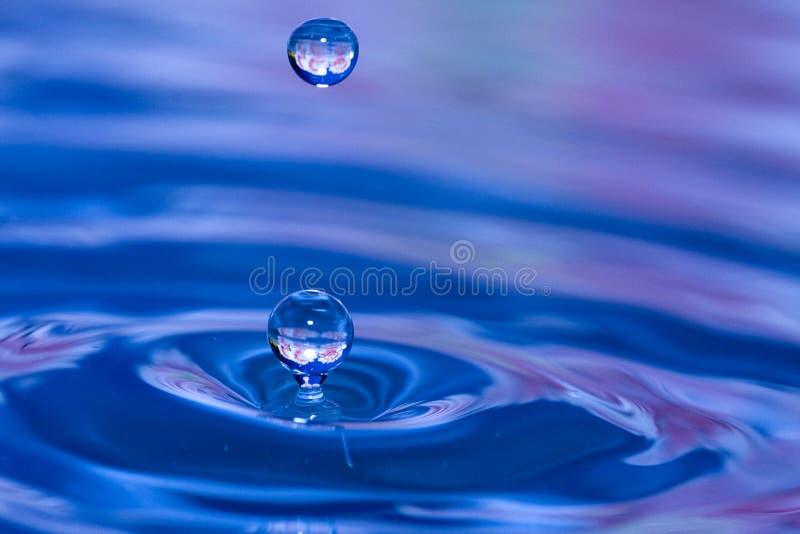 Wässern Sie Tropfen 2 stockbild