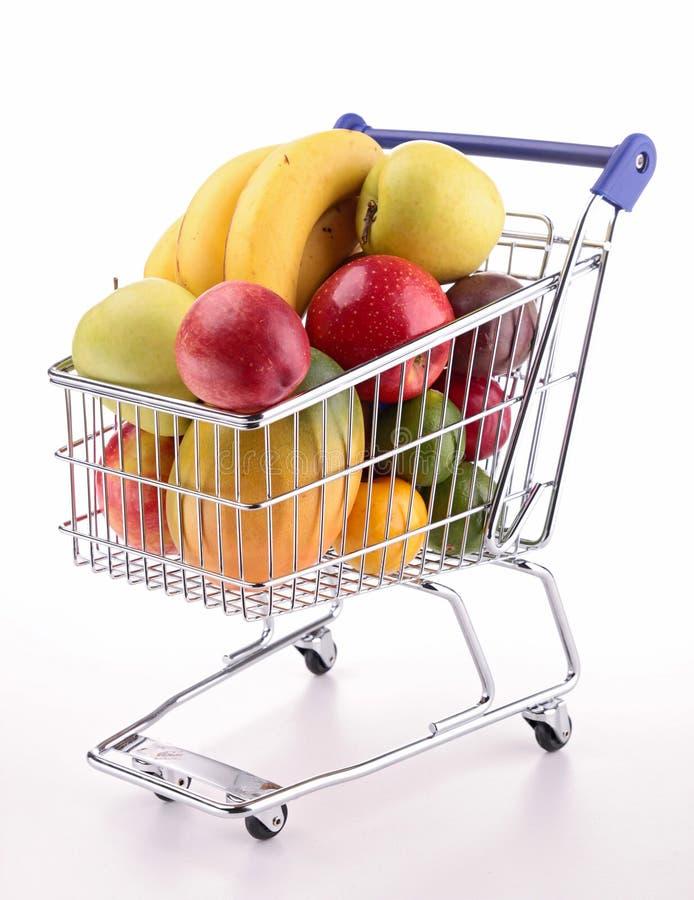 Wózek na zakupy z owoc obraz royalty free