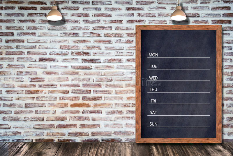 Wöchentlicher Tafelkalender, Tafelzeichenmenü für das Bürorestaurant-Barhaus dekorativ stockfoto