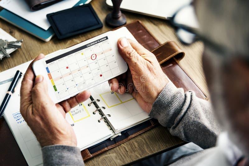Wöchentliches Planer-Tagebuch organisieren, um Listen-Konzept zu tun stockfotos