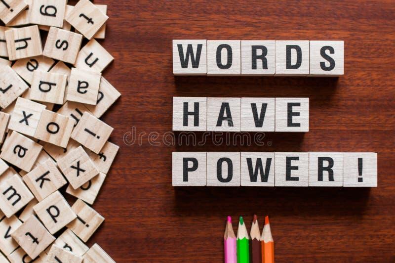 Wörter haben, Wortkonzept anzutreiben stockfotos