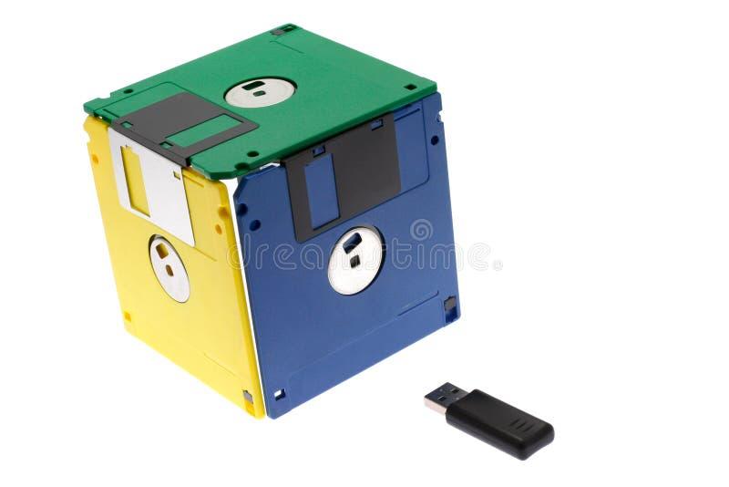 Würfel gebildet von den Disketten stockbild