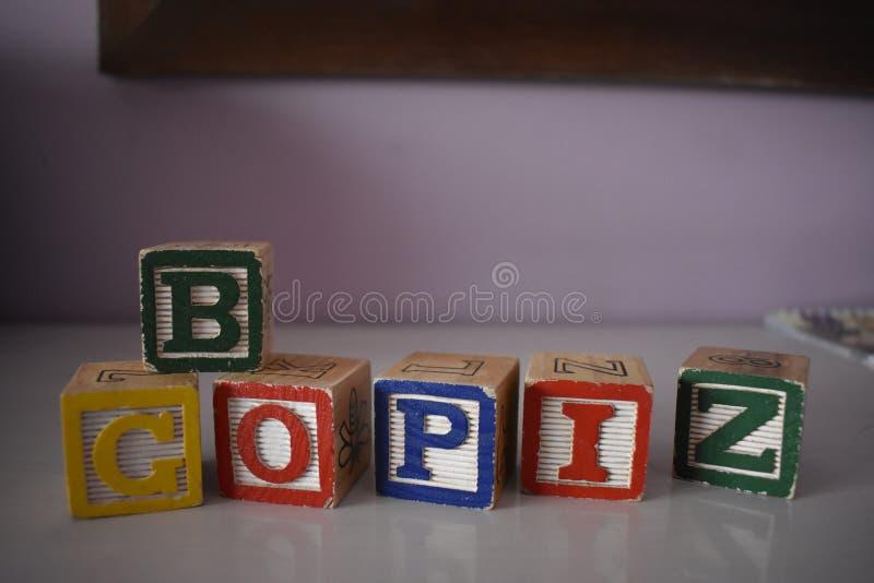 Würfel von Buchstaben stockbilder