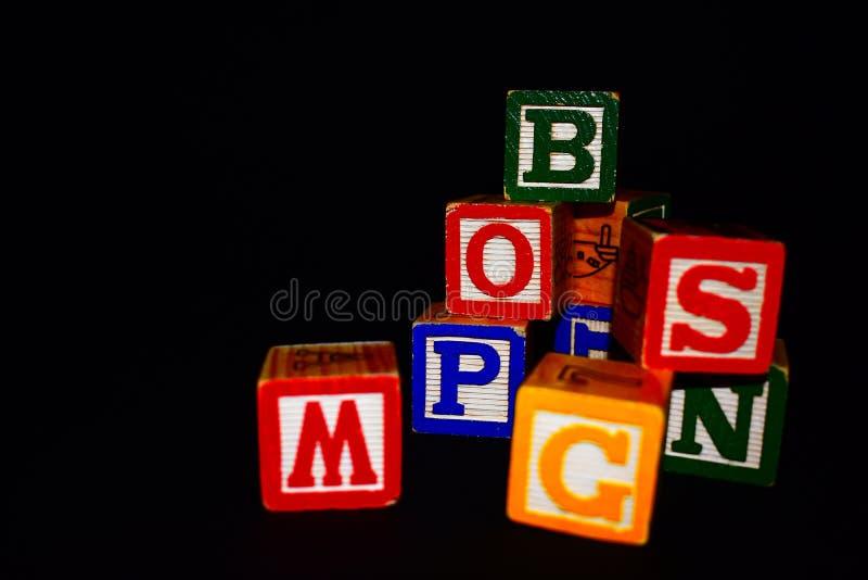 Würfel von Buchstaben stockfoto