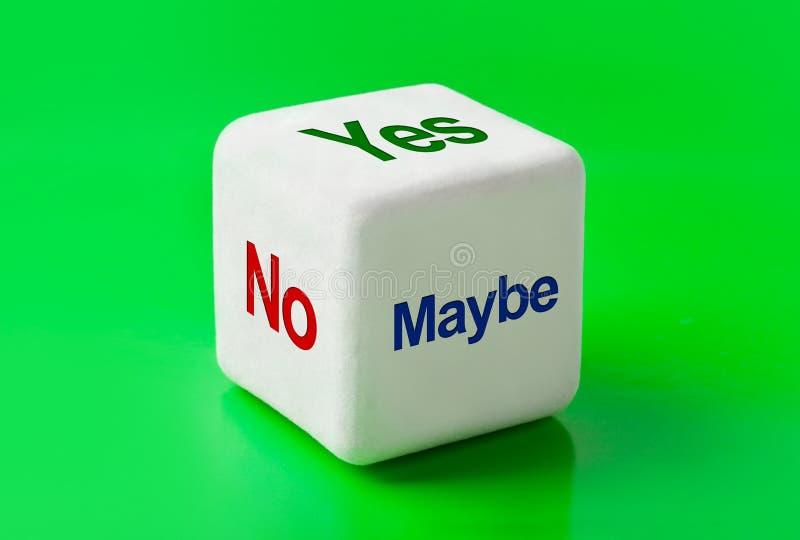 Würfeln Sie mit Wörtern ja, Nr. und möglicherweise lizenzfreies stockfoto