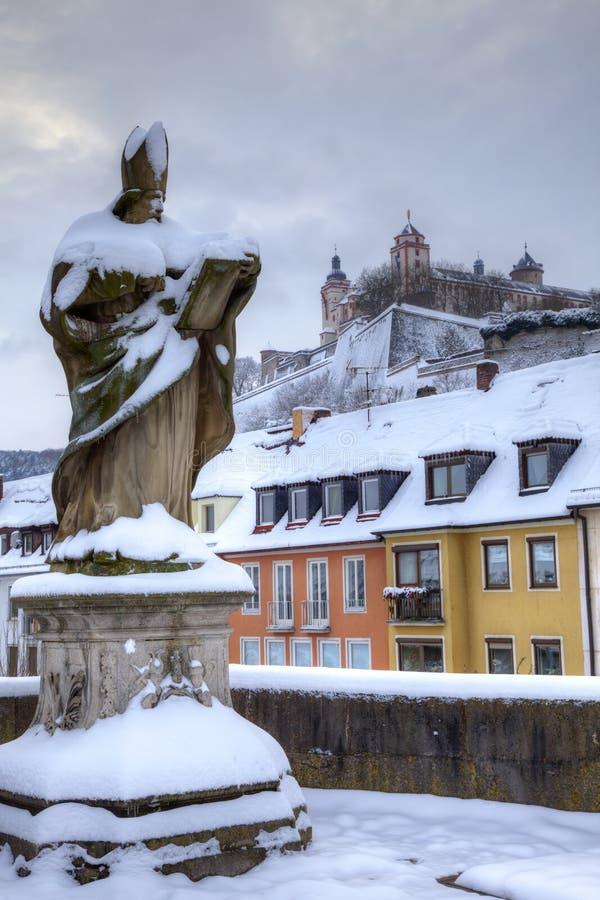 Würzburg Deutschland im Schnee lizenzfreie stockbilder