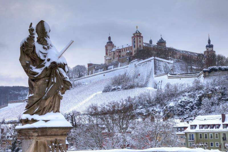 Würzburg Deutschland im Schnee stockfoto