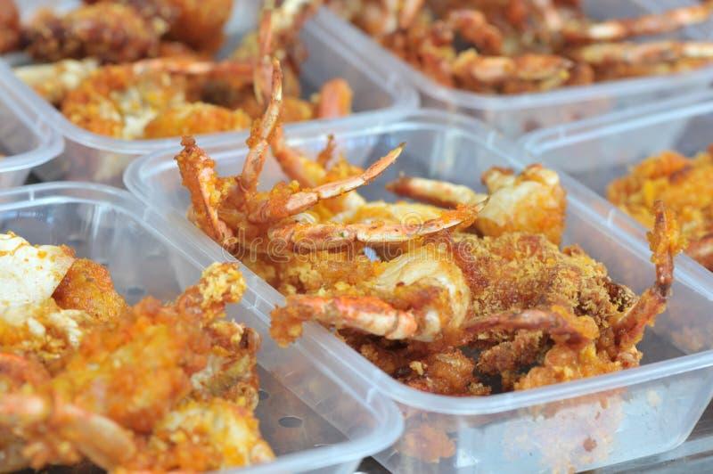 Würzige gebratene Krabben eingewickelt im Weizenmehl lizenzfreie stockbilder