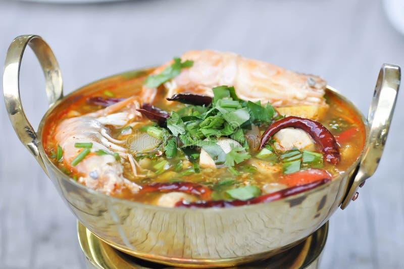 Würzige Suppe oder thailändische würzige Suppe stockbild