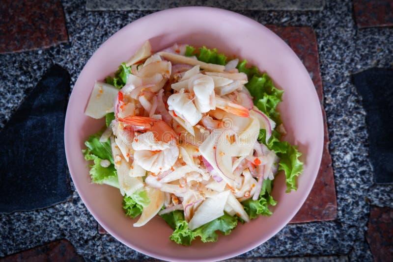 Würziger Garnele-Salat lizenzfreie stockfotos
