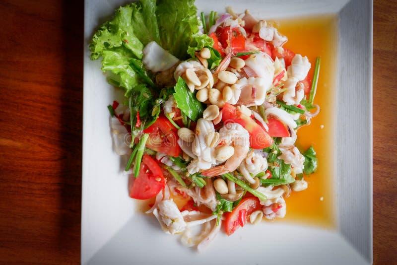 Würziger Garnele-Salat stockfoto