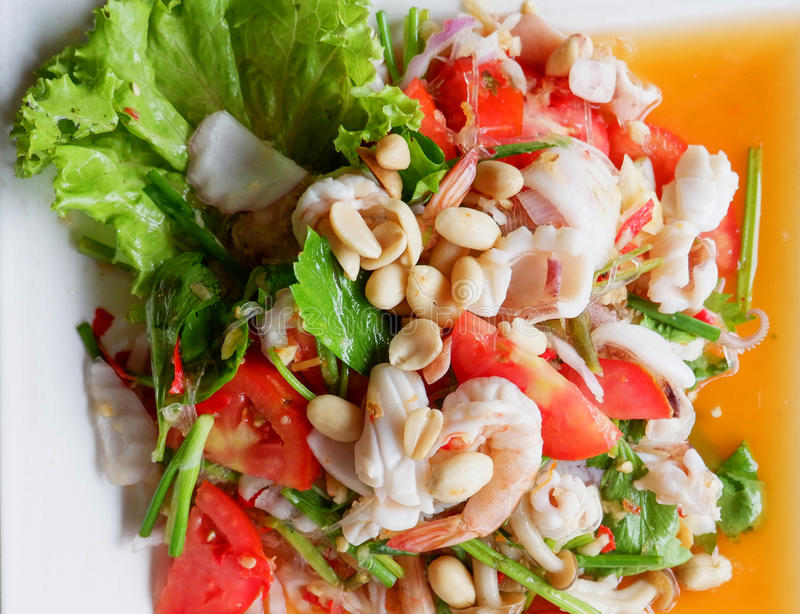 Würziger Garnele-Salat stockfotografie