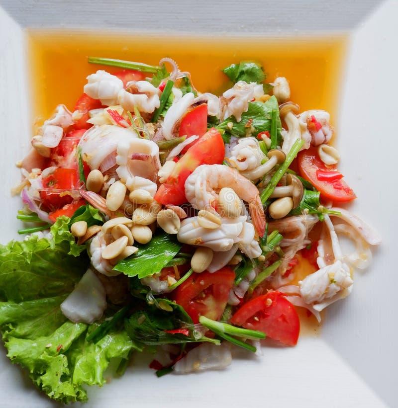 Würziger Garnele-Salat lizenzfreies stockbild