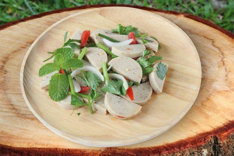 Würziger vietnamesischer Wurstsalatabschluß oben stockfoto