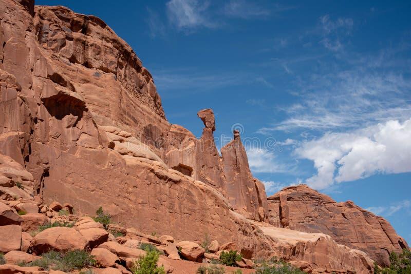 Wüsten-Klippen im Bogen-Nationalpark stockfotos