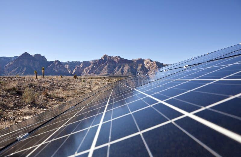 Wüsten-Solarreihe stockbilder