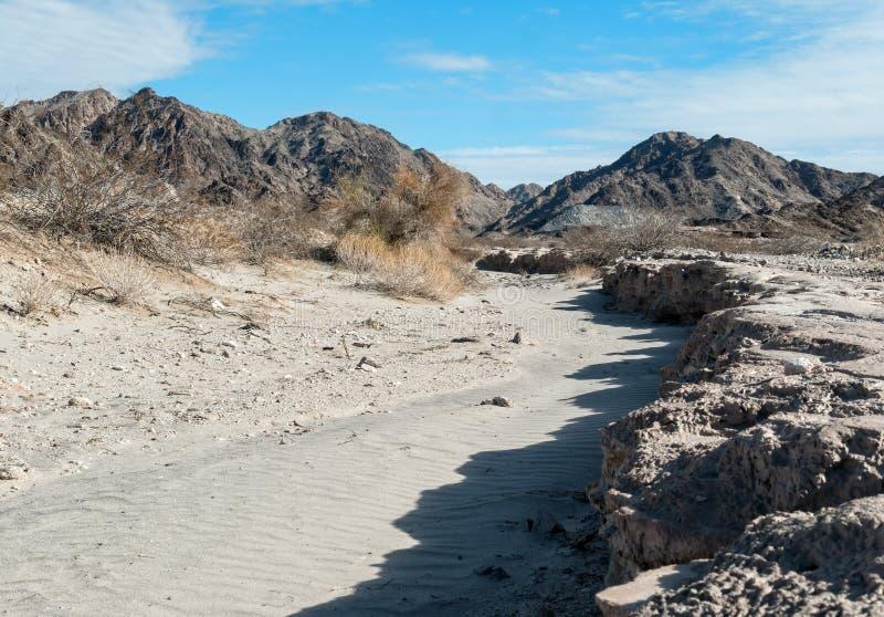 Wüstenlandschaft am historische Stadtstandort von Tumco lizenzfreie stockfotografie