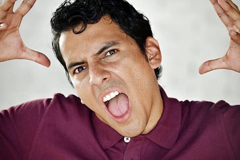Wütende mittlere gealterte Person stockfotos