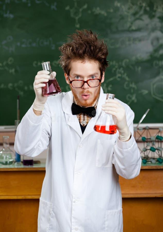 Wütender Wissenschaftler lizenzfreie stockfotos