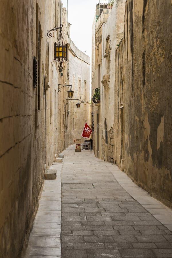 Wąska ulica Cichy miasto, Mdina, Malta zdjęcie stock