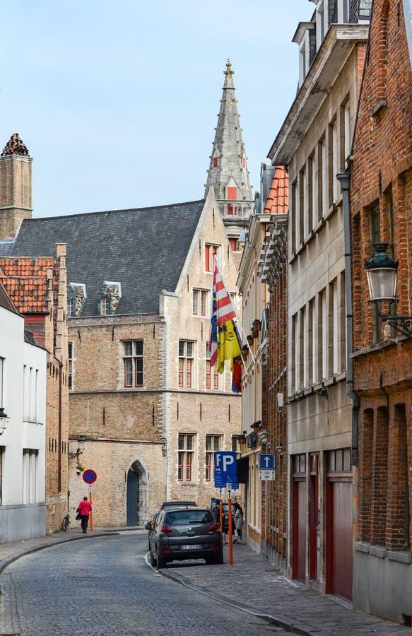 Wąska ulica w Bruges Brugge Belgia fotografia stock