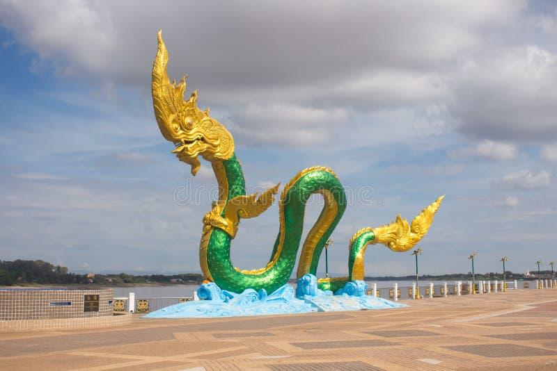 Węża lub Naga statua w Nongkhai Tajlandia obraz royalty free