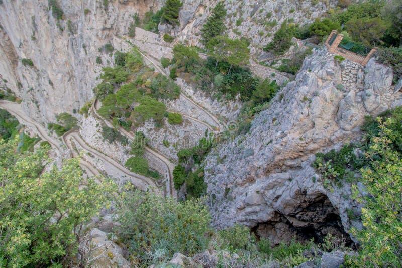 Wężowata ścieżka Przez Krupp w Capri, Włochy fotografia stock