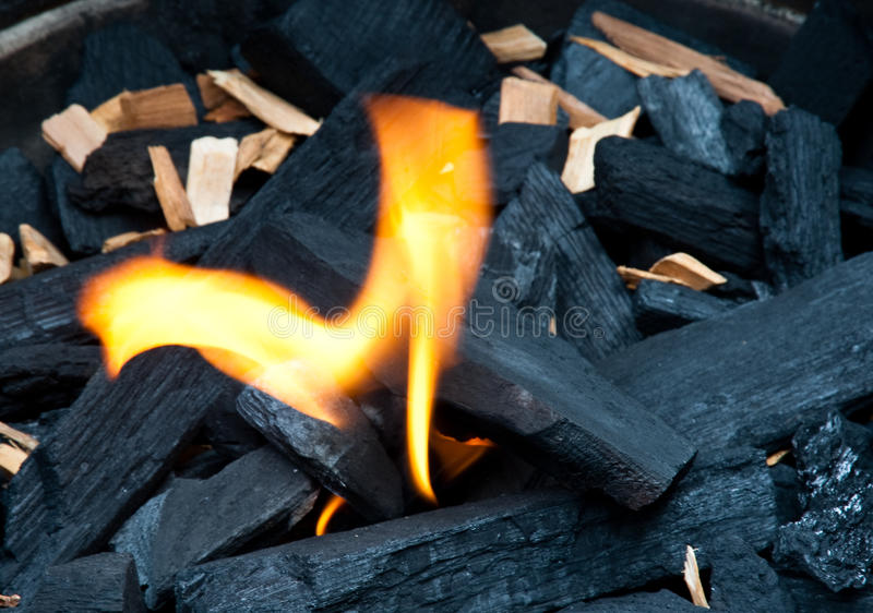 węgiel drzewny płomień zdjęcie royalty free