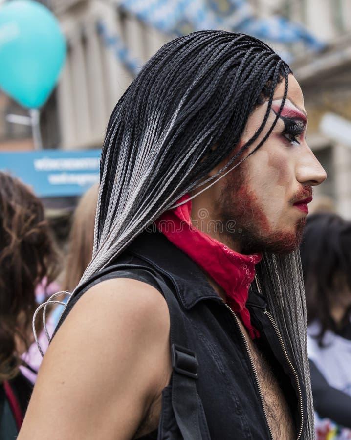 2019: Włóczydło królowa uczęszcza Gay Pride paradę także znać jako Christopher dnia Uliczny CSD w Monachium, Niemcy obraz stock