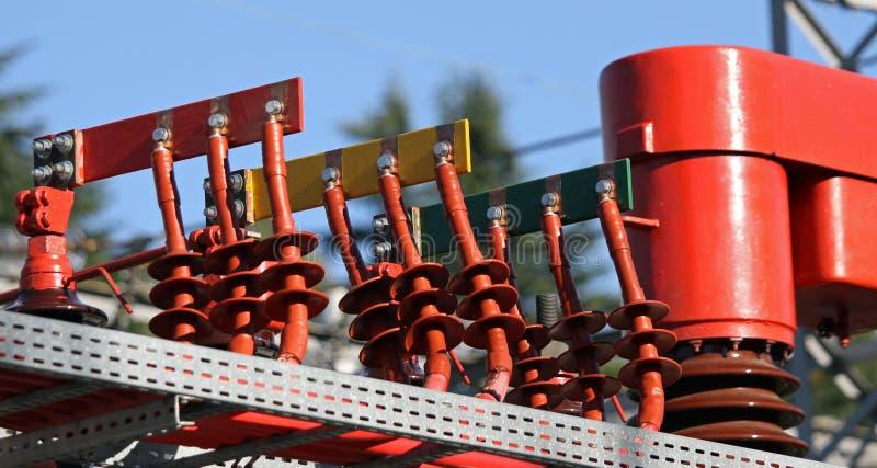 Włączniki miedziują Busbar i słupy transformator powerho obraz stock