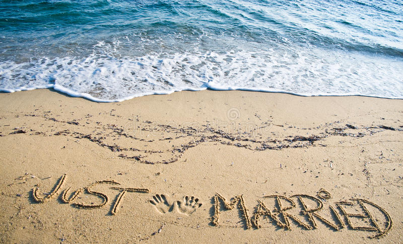 właśnie zamężny piasek pisać obrazy stock