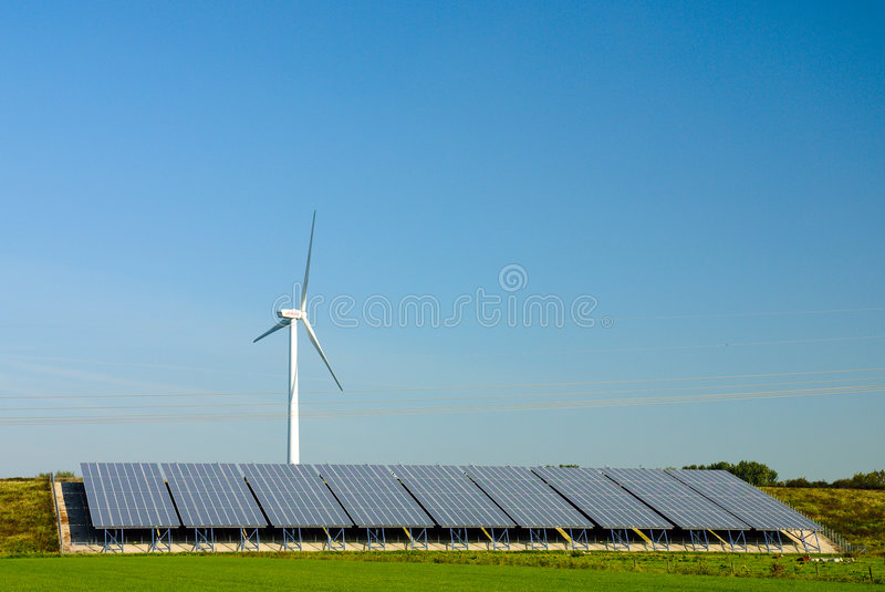 władze roślin komórek turbiny wiatru słonecznego fotografia stock